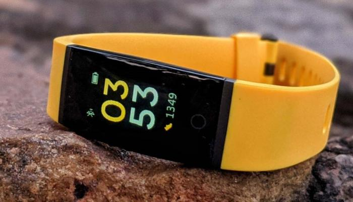 REALME BAND, Available in flash cell,