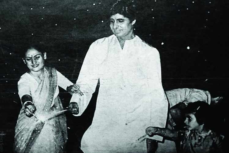 Amitabh Bachchan has celebrated Deepawali in this way as well, see years old picture| entertainment News in Hindi