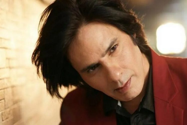 Bollywood actor Rahul Roy discharged from hospital| entertainment News in Hindi
