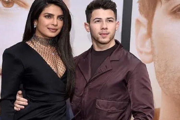 Britain: Hair color was to be done for the Hollywood film shooting in London, so Priyanka Chopra broke the Corona Protocol| entertainment News in Hindi