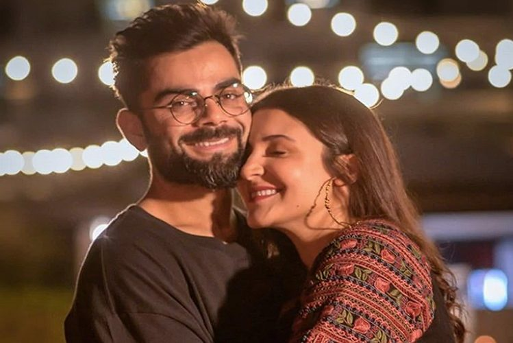 Virat-Anushka's daughter's first photo surfaced| entertainment News in Hindi