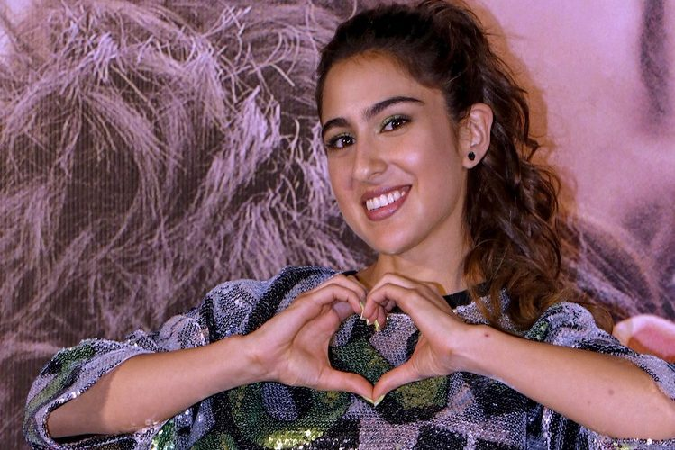 Now Sara Ali Khan made headlines due to this fitness video| entertainment News in Hindi