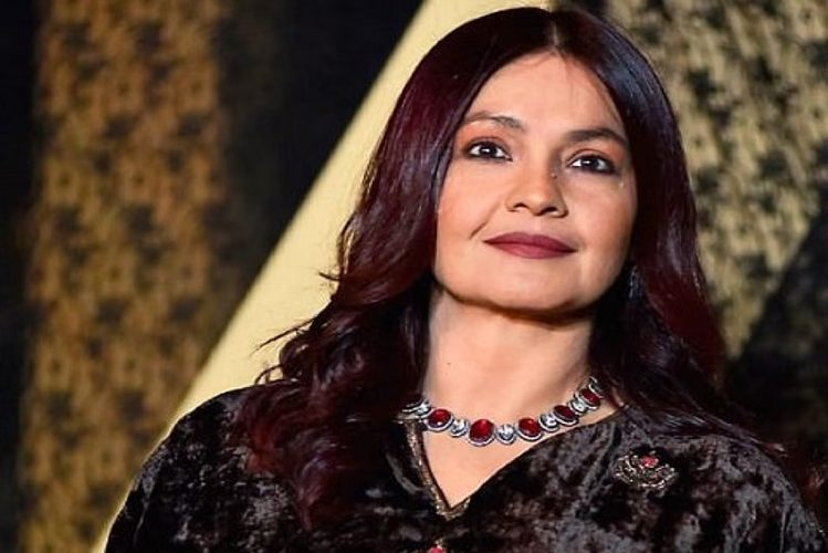 Bollywood actress Pooja Bhatt is making a comeback in acting| entertainment News in Hindi