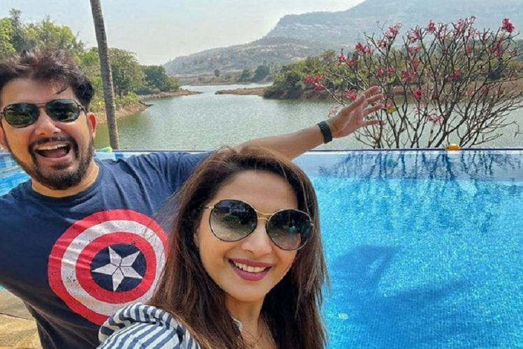 Birthday: Madhuri Dixit gave a special birthday greeting to Dr. Shriram Nene, expressed this with a photo on insta post| entertainment News in Hindi