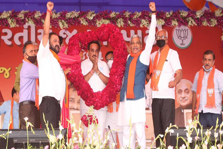 BJP's 'victory for defeat' in Gujarat municipal elections, Kejriwal's 'miracle' and Congress 'boycott'| national News in Hindi