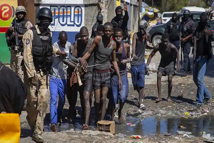 A shocking case in the Caribbean country of Haiti, 400 prisoners broke into jail together, 25 killed in a shootout to catch| national News in Hindi