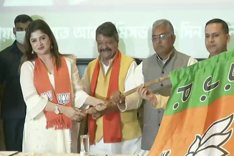 West Bangal: Famous Bengali film actress Shrabanti Chatterjee joins BJP, Kailash Vijayvargiya gave membership of party| national News in Hindi