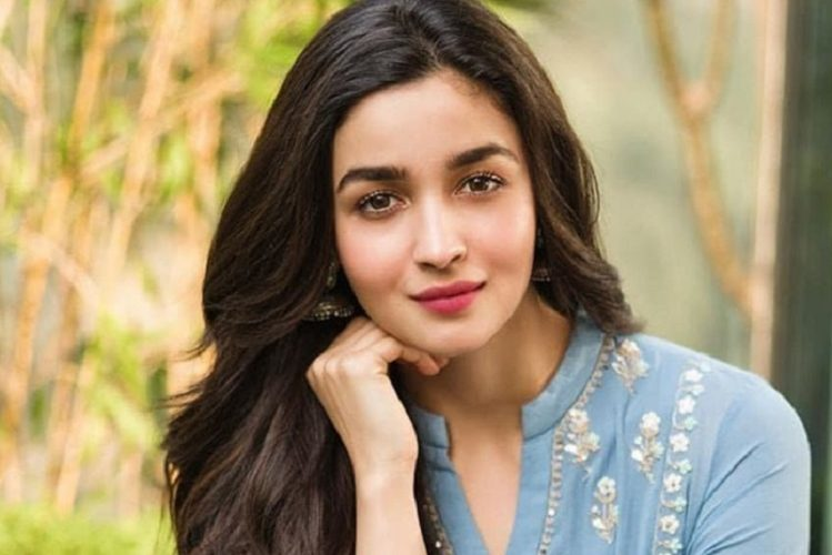 Now Alia Bhatt also became corona infected| entertainment News in Hindi
