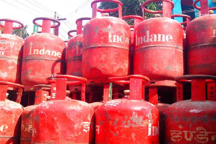 If you are troubled by the rising prices of gas cylinders, then please pay attention to this offer of Paytm, Rs 813 Cylinder of Rs. 9 only Getting into | national News in Hindi