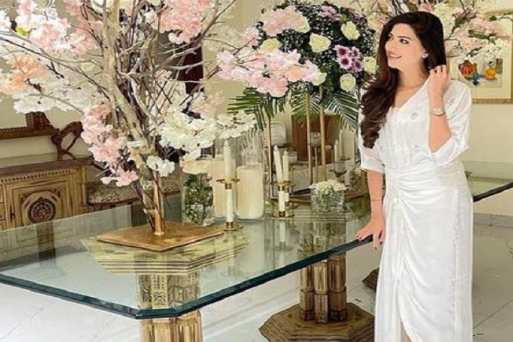 This beautiful actress from Pakistan is getting compared to Anushka Sharma| entertainment News in Hindi