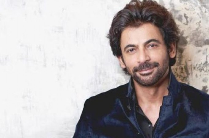 I come with comedic baggage, it is challenging to break that image: Sunil Grover over upcoming series 'Sunflower'| entertainment News in Hindi | Web Series 'Sunflower' में नजर आएँगे सुनील ग्रोवर, कहा