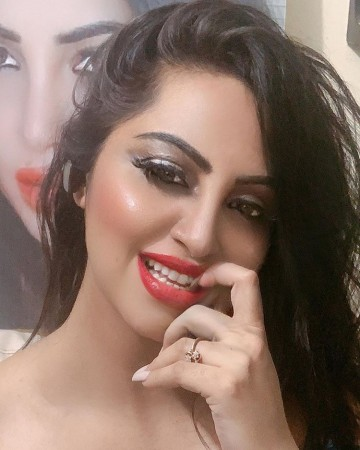 Arshi Khan will become bride on National TV, demands crores of fees for Swayamvar show  entertainment News in Hindi