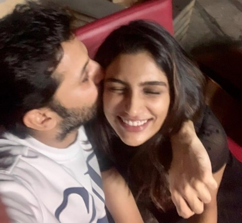 Actor Nithiin and Shalini First wedding anniversary with cuddles; See Post| entertainment News in Hindi