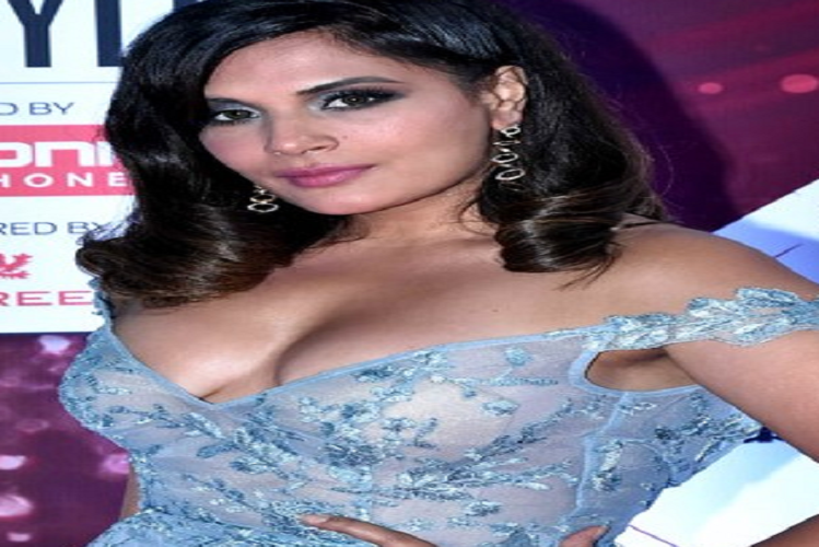 Actress Richa Chadha came out in support of Shilpa Shetty in Raj Kundra pornography case, tweeted and wrote – leave her alone and let the law decide| entertainment News in Hindi | राज कुंद्रा पोर्नोग्राफी मामले में शिल्पा शेट्टी के सपोर्ट में उतरीं अभिनेत्री ऋचा चड्ढा, ट्वीट कर लिखा