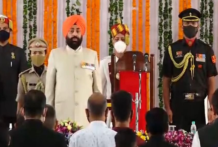 Former Vice Chief of Indian Army Lt. General Gurmeet Singh took oath as the new governor of Uttarakhand, became the governor after the resignation of Baby Rani Maurya