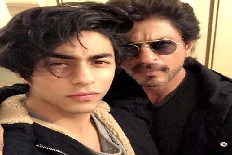 Shahrukh Khan becomes victim of trollers gang on social media after arrest of son Aryan Khan in drugs case, BYJU'S app bans all advertisements of King Khan| entertainment News in Hindi